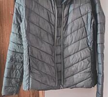 Продам куртку б/у в идеальном состоянии
