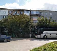 Продам 2 ком. Квартиру (46м2), центре г. Флорешть, бул. Викторией 5