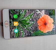 Продам смартфон ZTE NUBIA M2