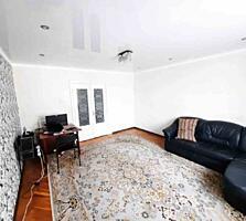 Va oferim spre vinzare apartament cu 3 odai in Centru. Locuinta are o