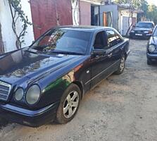 Продам Mercedes E 290