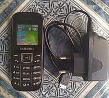 Samsung E1200. Кнопочный. Хорошее состояние.