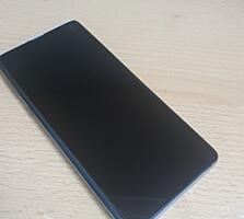 Продам Samsung Galaxy s10 dual sim (на две сим карты) 8/128