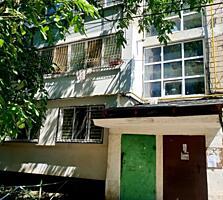 Se vinde apartament cu 2 odai in sectorul Botanica. Locuinta are o ...