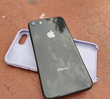 Срочно продам айфон 8 на 64гб