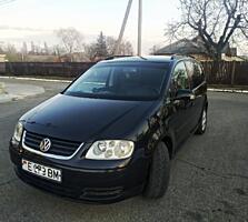 Продам VW TOURAN 1.6 FSI.