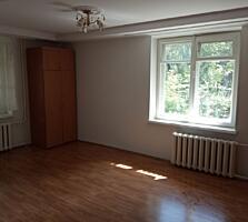 Продается Большая 1-комнатная Квартира в Бельцах