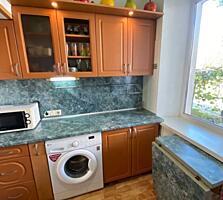 Продам уютную квартиру на Красных Казармах с ремонтом.