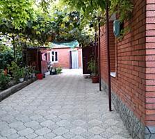 Дом с удобствами, 3 комнаты. Участок 8 соток. Район СШ № 11.