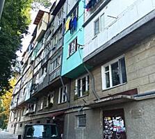 Se ofera spre vinzare apartament cu 1 odaie in sectorul Botanica. ...