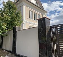 Продаётся дом в белом варианте. 300м2, 7 соток земли.