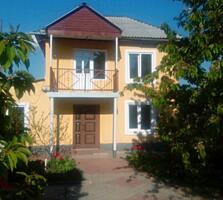 Двухэтажный дом 90 кв.м. Цена договорная. Участок 2,4 сотки.