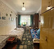Продается 2 комнатная квартира в парковой зоне, полуцокольный этаж.