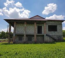 Продается Недостроенный Дом с 34 сотками земли в городе Рышканы