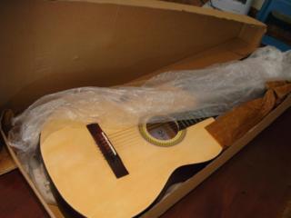 Гитары недорого, струны, чехлы, обучение