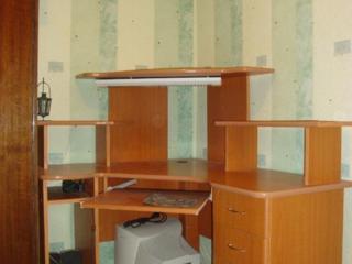 Компьютерный стол1500 лей.