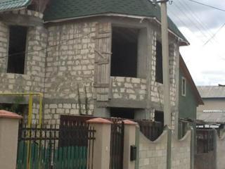 Casa 279 m2, neterminata, 6 ari, V-Voda, comunicatii