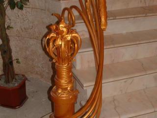 Лестницы и другие изделия из металла.