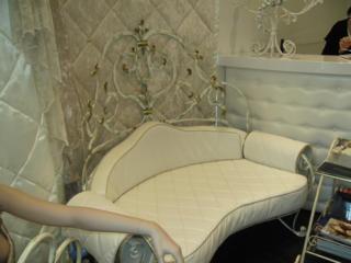 Авторская кованая мебель, предметы декора и другие изделия.