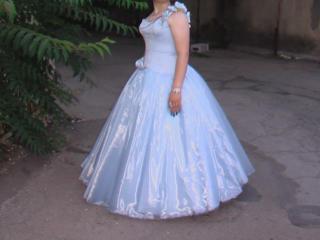 Продается выпускное платье с корсетом