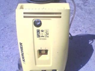 Продается профессиональная мойка б/у. Karcher HD 12 94
