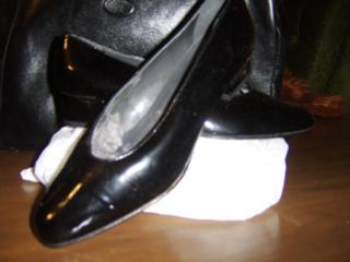 Продаю туфли лодочки женские.