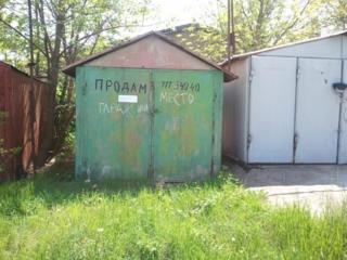 Продам малогабаритный гараж (или место) на Кировском, ГСК-19.