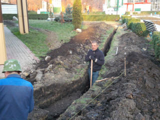 Бельцы! Копаем прокладка водопровода! канализации! доставка чернозема!