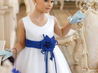 Детские нарядные платья. Продажа 100-300 руб. Перчатки, аксессуары...