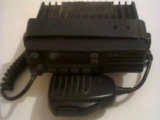 Продаю автомобильную радиостанцию