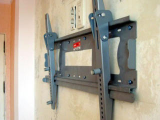 Установка телевизора на стене+ кронштейны. Montarea televizoarelor
