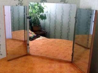 Зеркало-трельяж настольное.