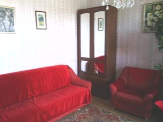 Сдается комната в двухкомнатной квартире вместе с коммунальными услуга