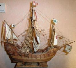 """Деревянная модель каравеллы """"Санта-Мария""""."""