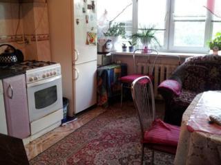 Продам хорошую, 3-комнатную квартиру в центре.