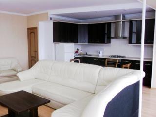 Apartament cu 4 odai, Centru, Negruzzi 700 euro