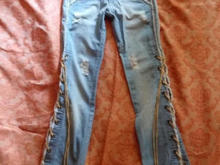 Новые стильные джинсы