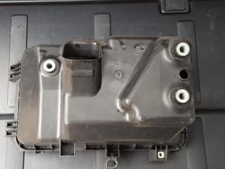 Нижняя часть корпуса воздушного фильтра на Камри 30