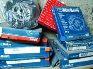 Сцепление: нажимные диски (корзины), диски, подшипники