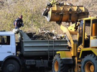 Бельцы! Вывоз мусора хлама Доставка чернозема снос домов-бетоновырубка