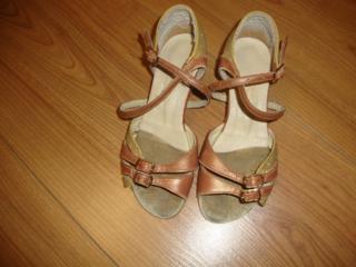 Коньки для фигурного катания, туфли для бальных танцев