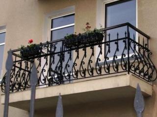 Бельцы. Полная замена перил, ограждений балкона. Обшивка, отделка.
