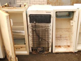 Приму в дар холодильник. Вывезу сам бесплатно ненужную технику мебель.