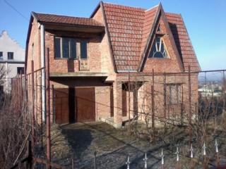 Продам 2-этажный газифицированный дом