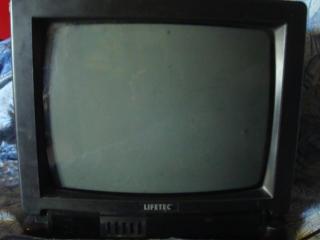 Продам телевизор, 37 и 54 см диагональ, б/у Германия, цвет изображение