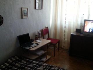 Срочно продается недорого хорошая квартира двухкомнатная на Гренобля