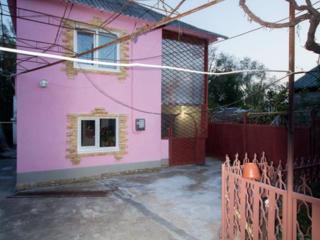Продается 2 -этажный дом р-он Кирпичи