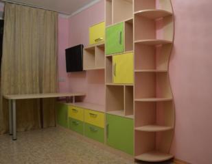 Мебель в детскую комнату - комп. столы кровати Первоклашкам скидка.