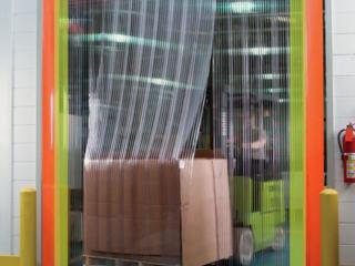 Ленточные ПВХ-завесы, шторы для магазинов, складов...
