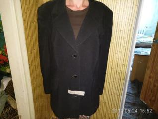 Продаю брючный женский костюм 54, 56 размера.